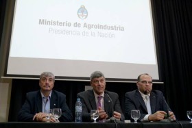 """Se presentó el equipo completo del Ministerio de Agroindustria: """"Hay que ganar el mundo agregando valor con el trabajo de los argentinos"""""""