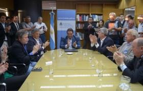 """Se racionalizó el convenio colectivo de los empleados lácteos: pero la """"caja"""" de Atilra sigue intacta"""