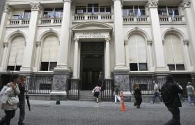 Se cayó el superávit comercial argentino (justo cuando más se lo necesita) por falta de incentivos para promover exportaciones