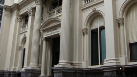 El Banco Central extendió hasta el 31 de octubre la intervención del mercado de cambios para importaciones