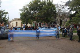 """El """"banderazo"""": una manifestación de los habitantes de la """"Argentina del Centro"""""""