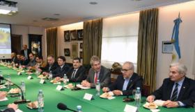 """La cadena de valor agroindustrial argentina presentó un documento con propuestas para """"constituirse en el pilar de una estrategia de desarrollo nacional"""""""