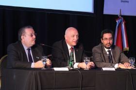 Santa Fe no tiene dinero para pagar sueldos pero subsidia a otras provincias argentinas