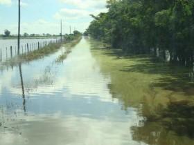El clima también juega en contra: peligro de derrumbe del área de siembra de maíz temprano por las lluvias torrenciales