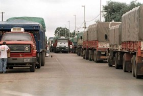 Las terminales portuarias se adhirieron al nuevo régimen de turnos para recepción de camiones con granos