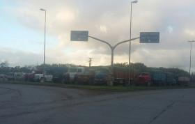 Se levantó el paro de transportistas en Quequén: el gobierno nacional aceptó suspender una normativa creada veinte años atrás para modernizar las flotas de camiones