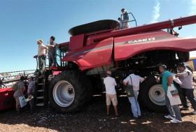 Vivir con lo nuestro: en lo que va del año apenas se declararon ingresos de 73 cosechadoras importadas