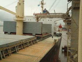 Ya se liberó un cupo de casi 9,0 millones de toneladas de maíz 2013/14: el gobierno sigue sin definir cuándo cerrará las exportaciones