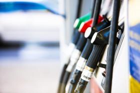 Amigos son los amigos: las terminales automotrices emprendieron una campaña para desarticular el programa de corte de gasoil con biodiesel