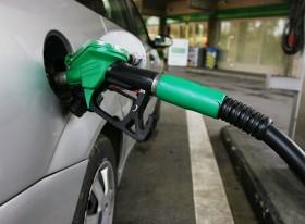 Gracias totales: el precio de la nafta sigue congelado gracias a un subsidio forzoso pagado por el campo argentino