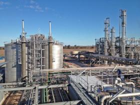 Con la caída del valor del maíz la industria etanolera recuperó competitividad: sigue sin cumplirse el corte del 12% con nafta