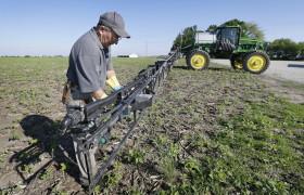 Restringen el uso de 2,4D en la provincia de Santa Fe por medio de una zona de exclusión de 1000 metros para aplicaciones terrestres
