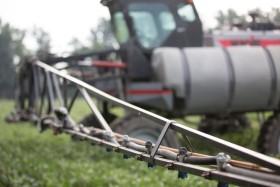 Malezas resistentes: se profundiza la caída de las importaciones de glifosato por un menor uso interno del herbicida