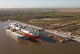 Sobreprecios siderales en la importación de gas natural licuado: para qué se necesitan las divisas aportadas por el agro argentino