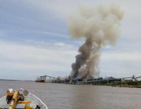 Paro de aceiteros en Rosario: una nueva explosión en la fábrica de Cofco San Martín que esta vez provocó la muerte de un trabajador