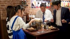 """Una lección de marketing: exitosa cadena japonesa para comer bifes """"al paso"""" abrió su primer local en Nueva York"""
