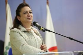 """Kátia Abreu: """"Los gobiernos deben comprender que los subsidios al maíz no son de los productores sino del abastecimiento nacional"""""""
