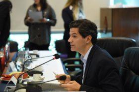 Laspina reconoció que sería injusto aplicar una mayor alícuota de Bienes Personales a productores respecto de sociedades agropecuarias: se modificaría el dictamen