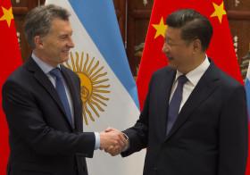 Receta infalible para terminar con el déficit comercial: pedirle a un millón de chinos que visiten la Argentina