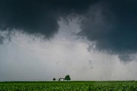 El martes ingresará una perturbación de mal tiempo para generar lluvias sobre el sector este del país