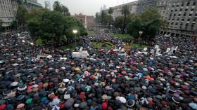 """El día después de la """"marcha del silencio"""": reclamo embrionario a favor de la instauración de un gobierno republicano"""