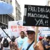 La verdadera grieta: sigue el festival del empleo público en pleno ajuste de trabajadores del sector privado