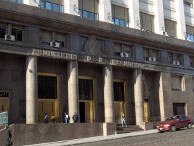 Escalofríos: el próximo gobierno argentino necesitará una cantidad descomunal de recursos para pagar las deudas dejadas por la gestión kirchnerista
