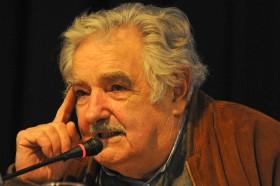 """Mujica dio cátedra sobre desarrollo: """"Nueva Zelanda es verdaderamente un país industrializado a pesar de vender carne, leche y lana"""""""