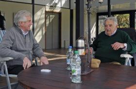 """Orgullo oriental: """"Es la primera vez que una crisis económica y social en Argentina no arrastra a Uruguay"""""""