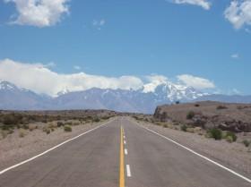 Zona liberada: frigoríficos uruguayos que venden a Chile deben pagar custodia para evitar robos en Argentina