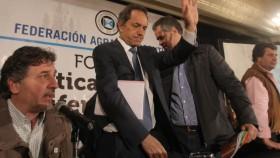 Scioli viaja a Neuquén para garantizar subsidio de hasta el 55% al sector petrolero: para Buenos Aires (su provincia) avala la continuidad de las retenciones agrícolas