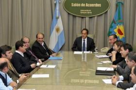 """A Scioli no le alcanza con exprimir a los pequeños productores: ahora prometió nuevo impuesto para """"pooles de siembra"""""""