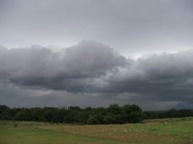 """Alerta por tormentas fuertes en el NEA y la región pampeana: el fin de semana que se acaba el """"veranito"""""""