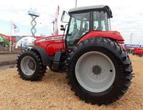 Con la liberación del cepo cambiario el mercado argentino vuelve a empacharse de tractores importados: compras crecieron 135%