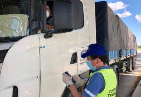 Emergencia sanitaria: el gobierno nacional implementa un nuevo certificado para el transporte de productos esenciales