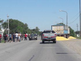 Santa Fe: transportistas autoconvocados realizan cortes con control de cargas en solidaridad con el Sindicato Único de Fleteros