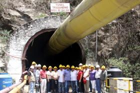 Perú perforó una montaña para producir alimentos en el desierto sin poner un solo dólar: Uribarri endeudará a los entrerrianos con 430 M/u$s para hacer dos acueductos