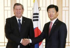 Uruguay sigue trabajando para integrarse al mundo: inició gestiones para comenzar a negociar un Tratado de Libre Comercio entre Corea y el Mercosur