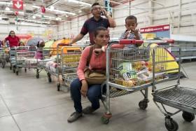 En marzo el sobreprecio de la leche en polvo argentina enviada a Venezuela fue del 55%: con valor de mercado podría haber comprado 4500 toneladas más