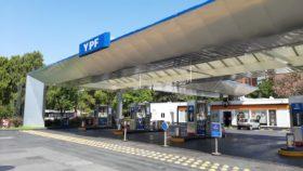YPF puso a disposición 260 estaciones de servicio para que los transportistas puedan higienizarse y descansar: el listado completo