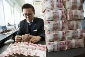 China devalúa el yuan para realizar una demostración de fuerza a la comunidad monetaria: mala noticia para los commodities